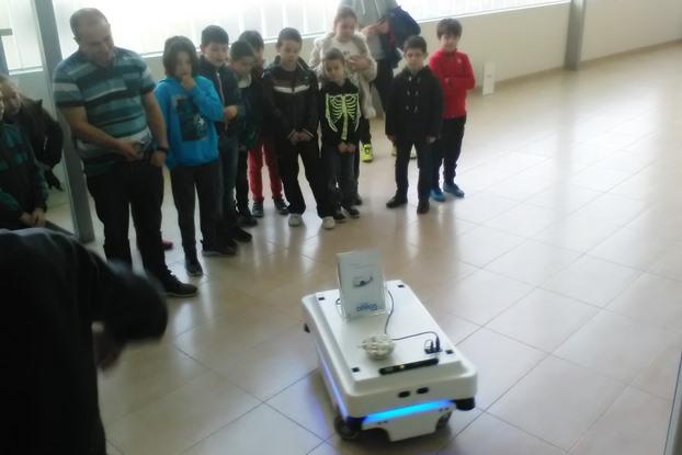 iruna-tecnologias-visita-27.02.17-robot-5